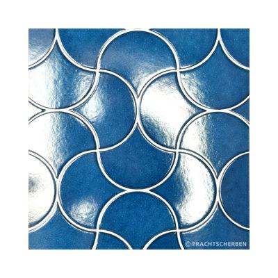 SCALLOP, electric blue, 10,6×12 cm Preis: auf Anfrage